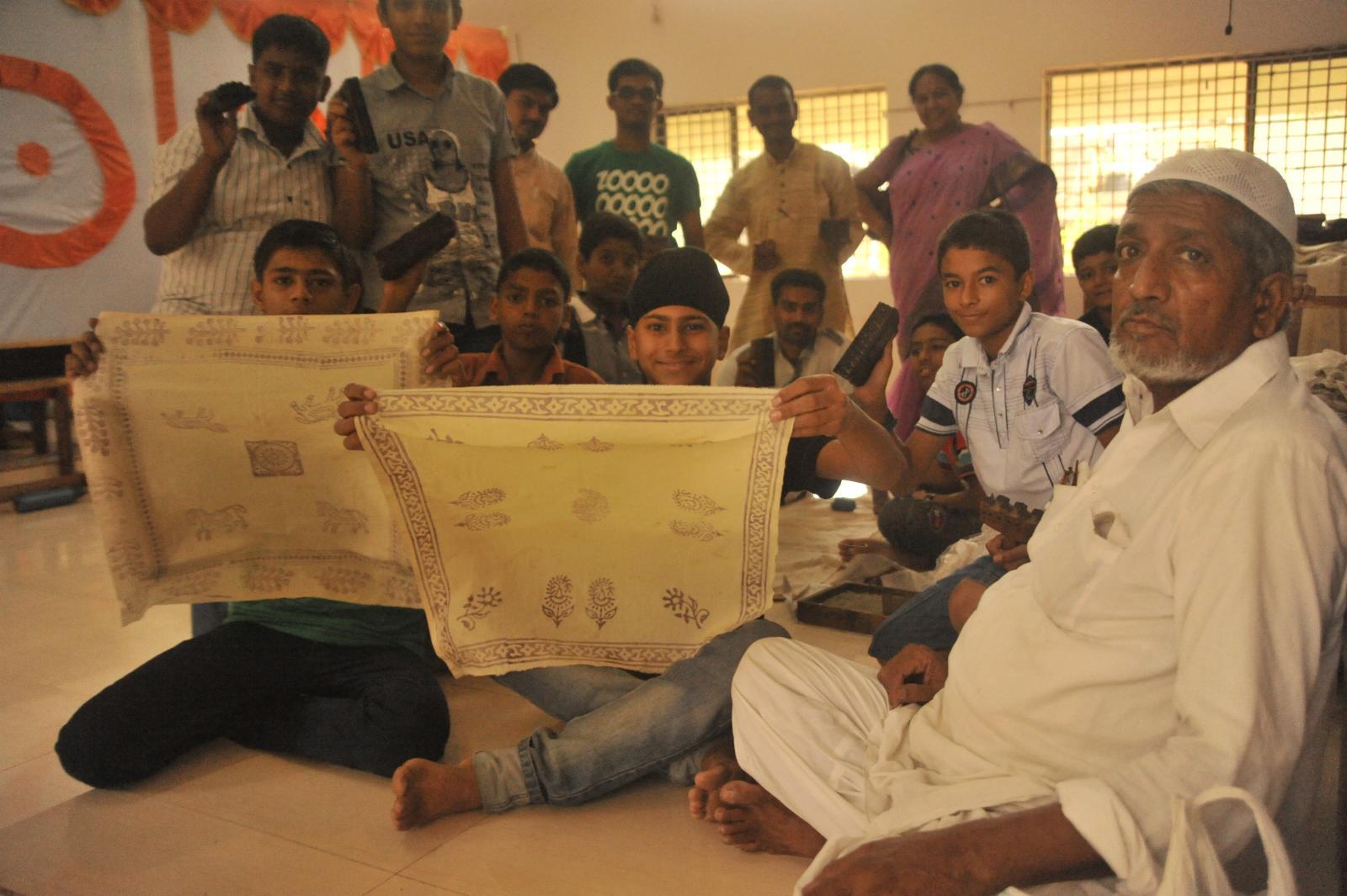 Block printing from Madhya Pradesh with Haji..