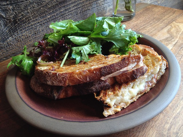 California gold sandwich - Mission Cheese