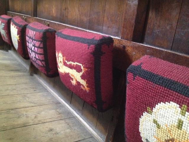 Knealing cushions