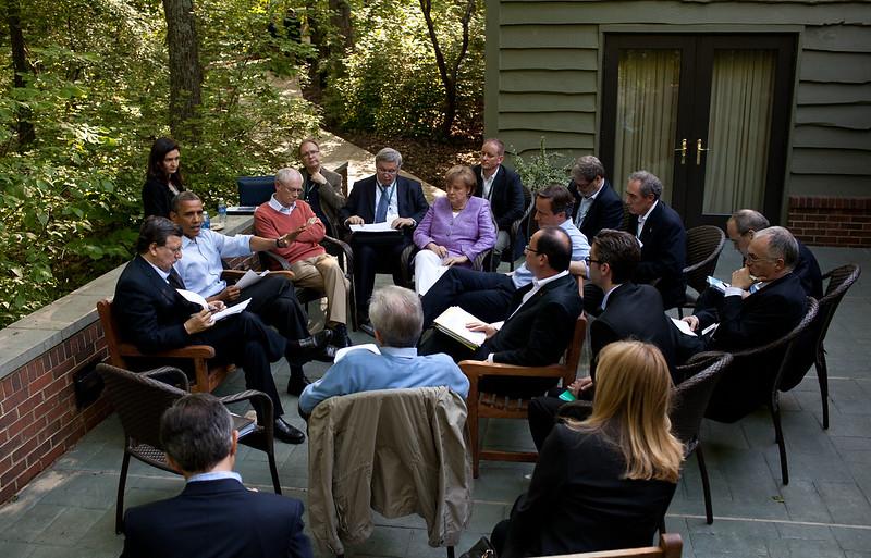 Réunion en plein air au G8 de Camp David - Photo officielle de la Maison Blanche par Pete Souza