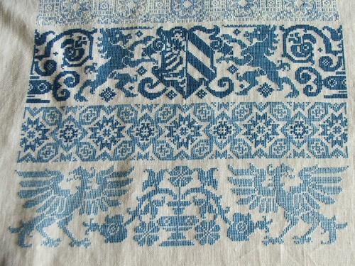 Blue band sampler detail