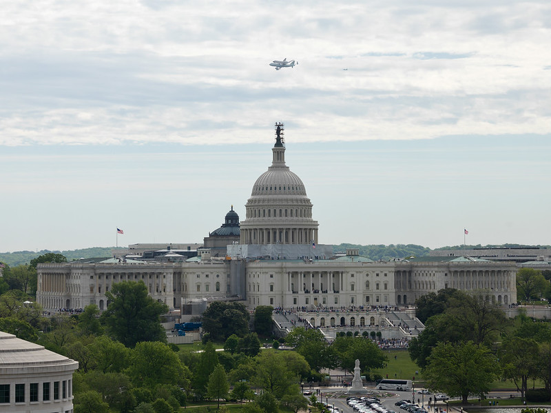 Space Shuttle Discovery DC Fly-Over (201204170050HQ)