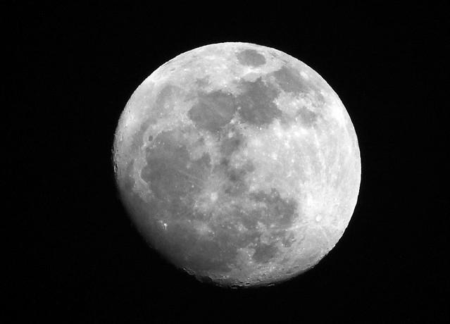 Moon - 04/04/12