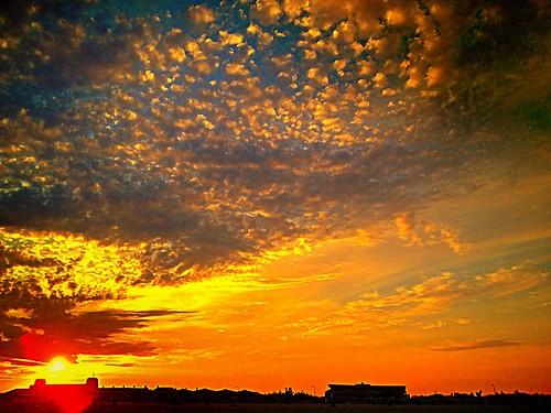 Apocalyptic Sunset by damn_que_mala
