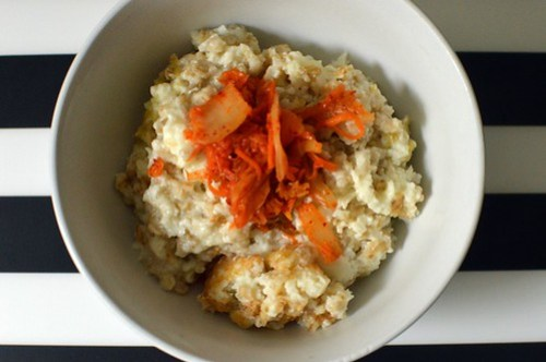 Savoury porridge with egg whites and kimchi