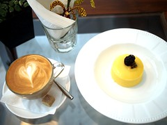Flat White and Blackberry cheesecake, Mu Parlour, Lorong Mambong, Holland Village