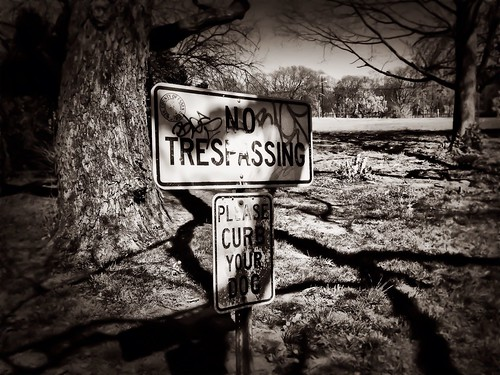 No Trespassing by damn_que_mala