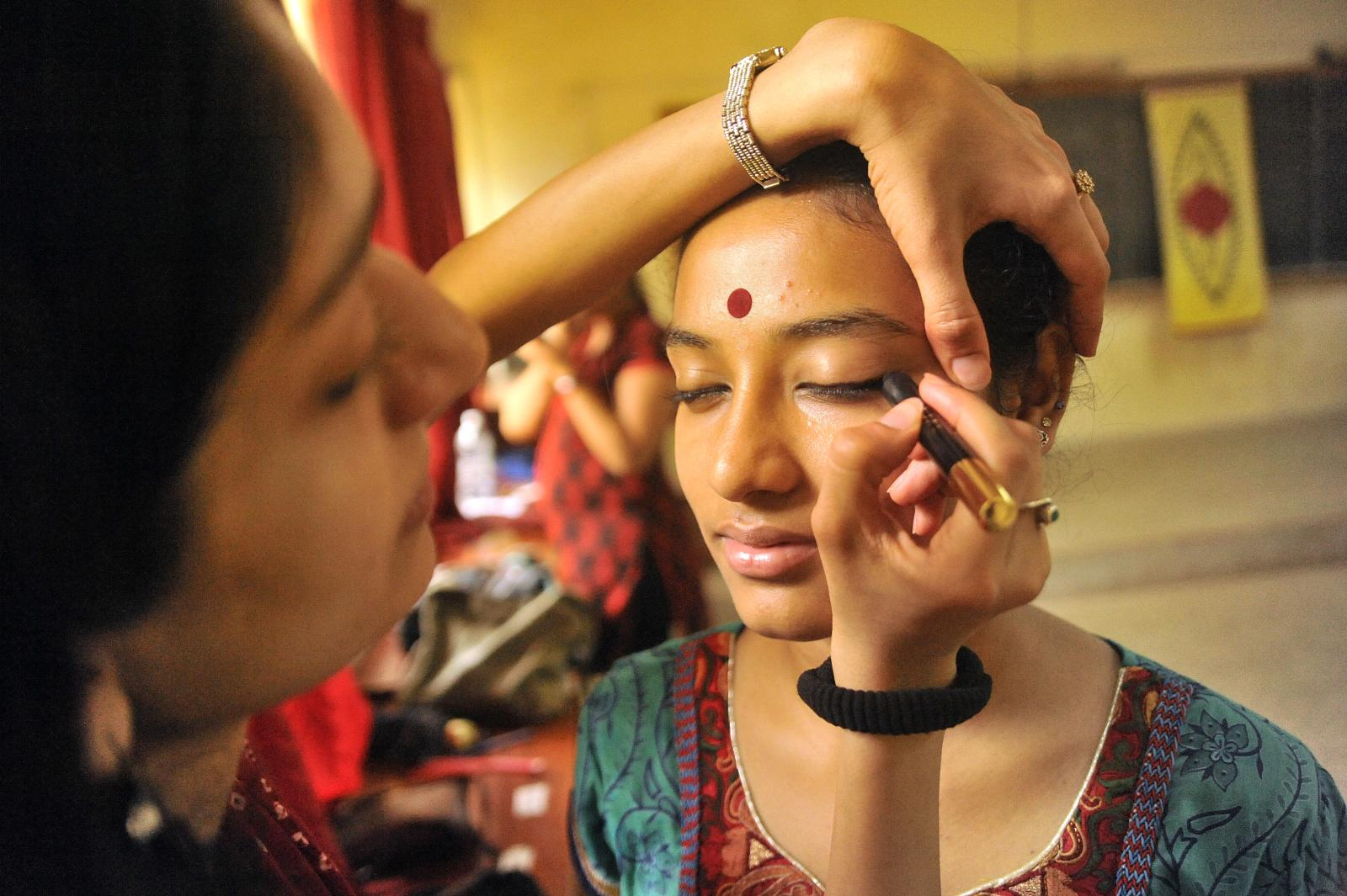 Dancer Arushi Mudgal giving the final touches and soothing nerves
