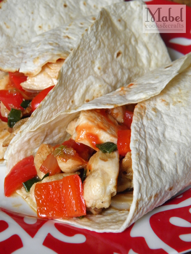 Simple chicken-pepper wrap