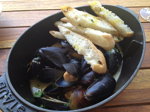 Steamed mussels - Farley Bar