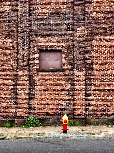 The Lonely Hydrant by damn_que_mala
