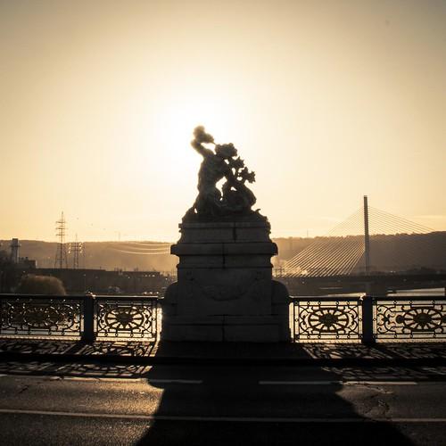 Urban Mythologies : The Sad Call of Triton (Pont de Fragnée, Liège) - Photo : Gilderic