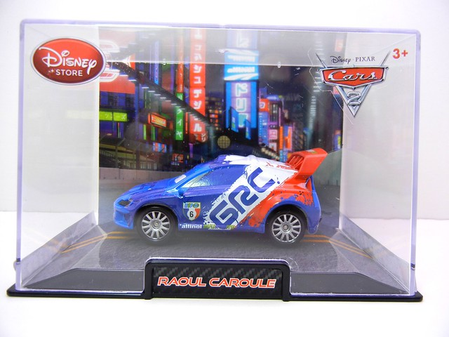 disney store cars 2 raoul caroule (1)