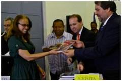 Escolas da Rede Municipal recebem livros da Fundação Itaú Social. Foto: Jan Ribeiro/Pref.Olinda