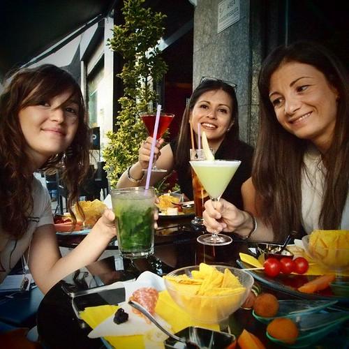 Aperitivo Molecolare al B Free di Milano con Teresa, Francesca e Marta