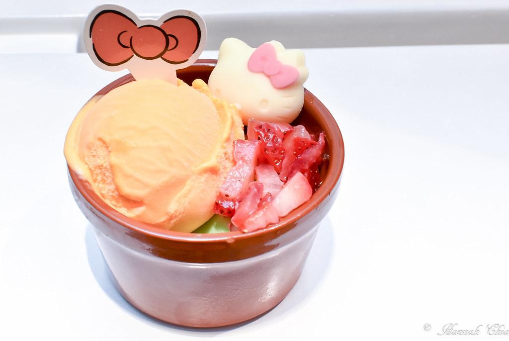 Hello Kitty Cafe Singapore_-24