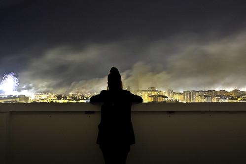 Clara y la contaminación by Monigote Valencia