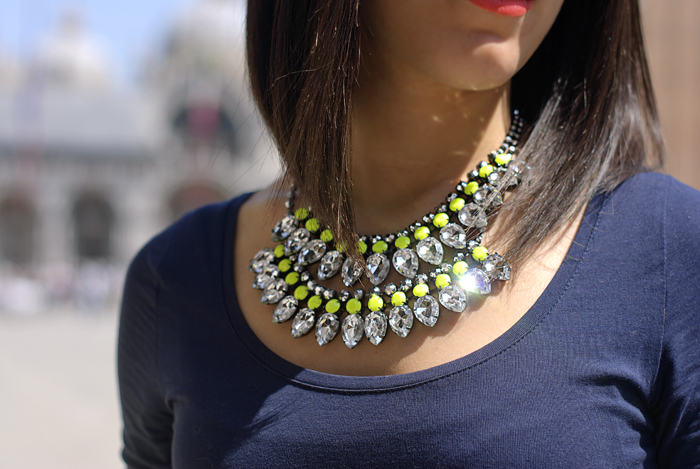 Neon and diamonds addicted
