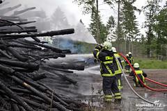 Brennende Holzhaufen Langen 10.06.12
