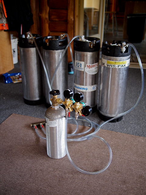 Carbonating my beers / checking for CO2 Leaks