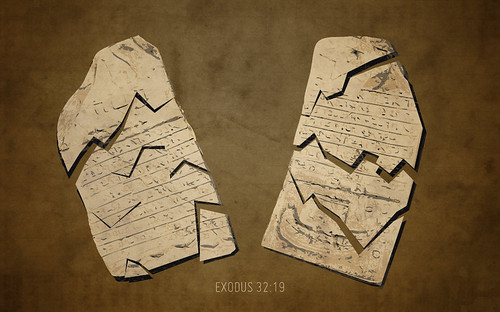 exodus 32-19_905