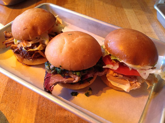 Sliders menage a trois - The Dancing Pig