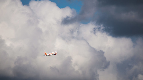 133/366 - Into the sky by Flubie
