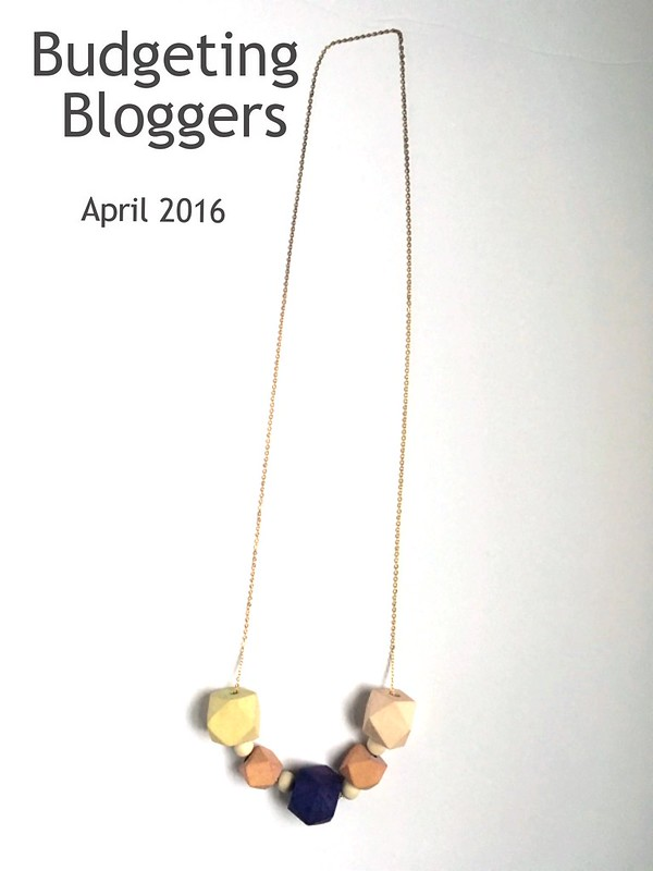 Wooden geometric necklace | Budgeting Bloggers | Shades of Sarah