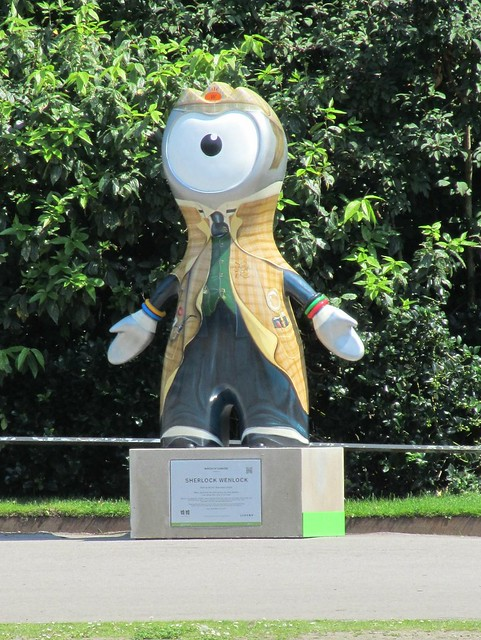 Wenlock, trying to pass for Sherlock Holmes in Regent's Park