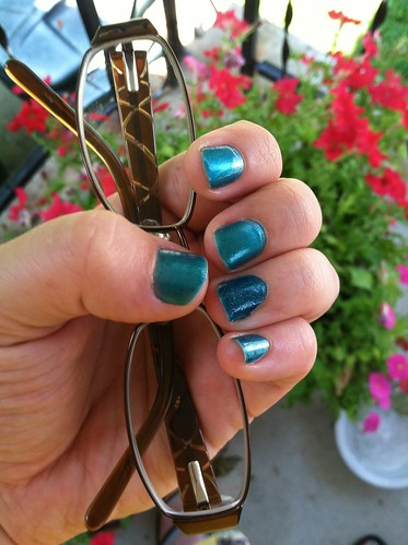 Blue nails with different ring finger by laurenichole89