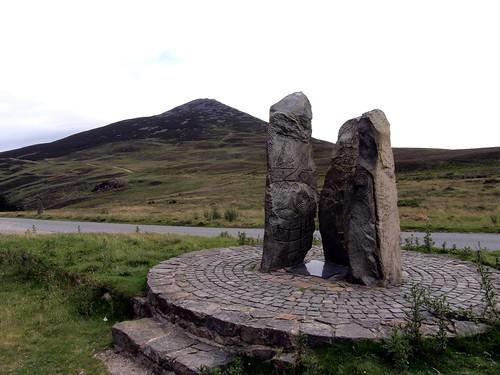 Yr Eifl and Commemorative Sculpture