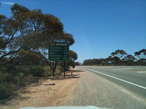 riverstock sign just after turnoff