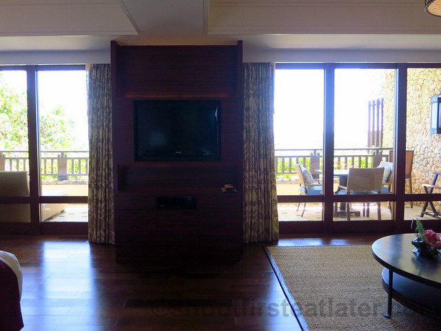 Shangri-La's Boracay Resort & Spa- seaview suite-002