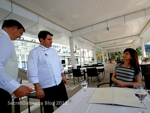 Chef Thierry explaining the menu