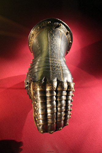 Mitten Gauntlet for the Left Hand c. 1563
