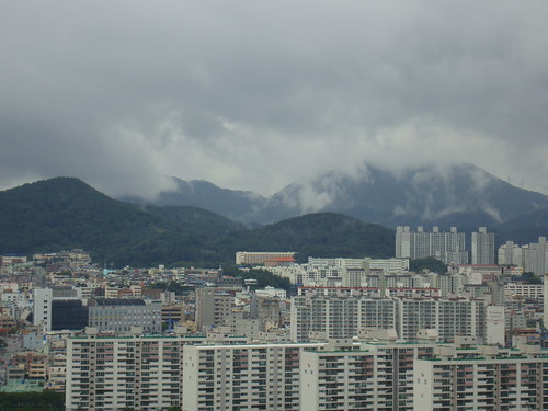 Rainy season in Busan by Jens-Olaf