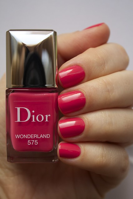 06 Dior 575 Wonderland swatches
