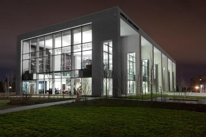 Saint John : Hans Klohn Building UNBSJ