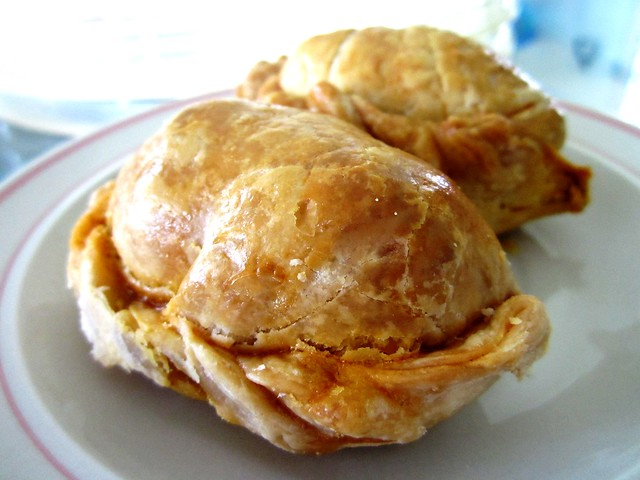 Aroma curry puffs 1