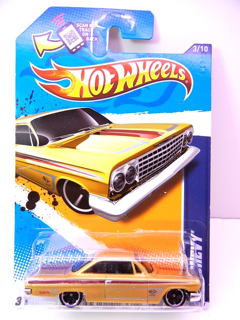 hot wheels '62 chevy gold (1)
