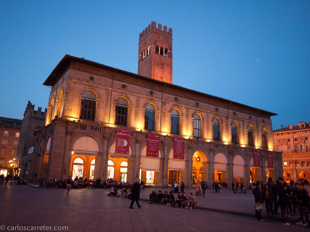 Piazza Maggiore - Palazzo del Podesta