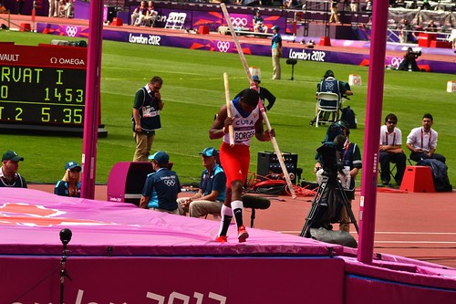 Olympic pole vault snaps breaks. Pole vaulter Lazaro Borges sees pole snap during qualification at the Olympic Stadium