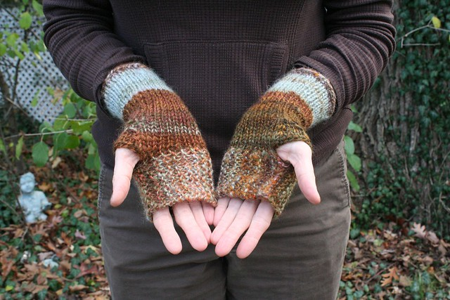 knitted :: Romney Mitts
