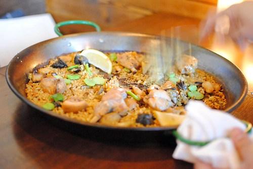 paella scooping