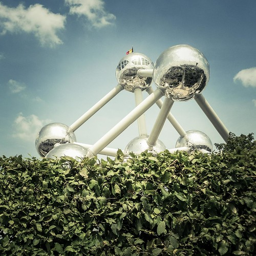 Urban Mythologies : Atlas' Atomic Balls (Atomium, Bruxelles) - Photo : Gilderic