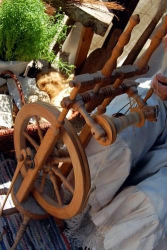 Wooden spinning wheel