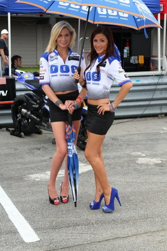 YES Grid Girls