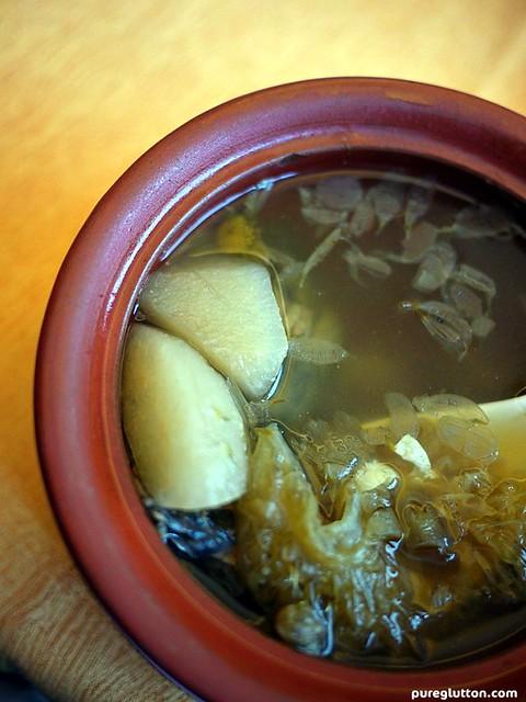 crysanthemum sharksfin soup