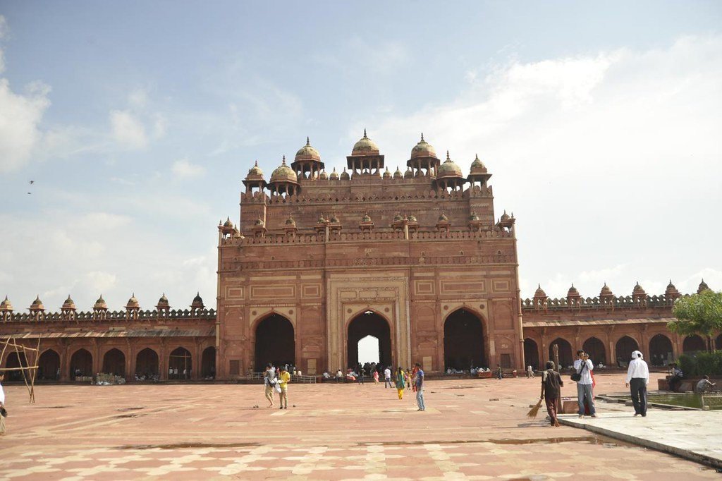 The grand entrance to the city of Fatehpur Sikhri from inside