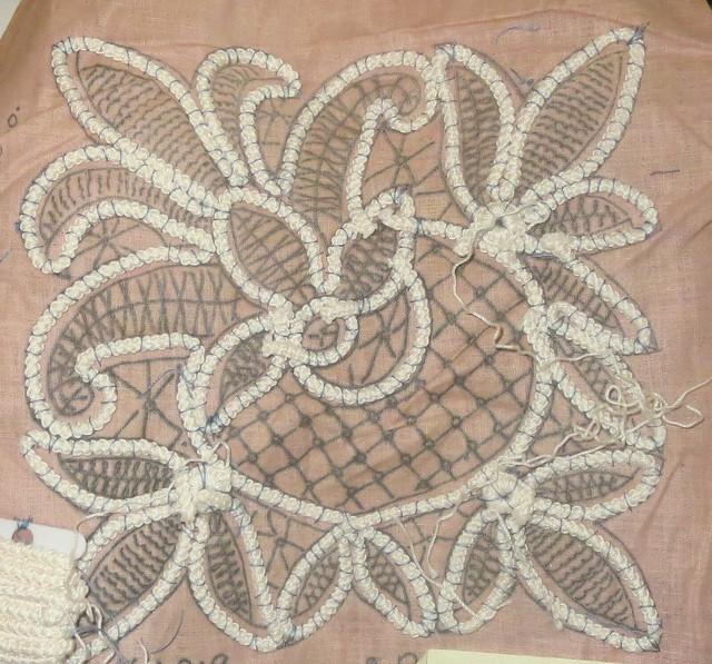 fleur de lis under construction